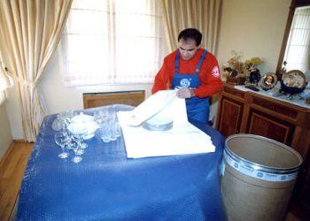 Mutfak eşyalarınız ve diğer hassas eşyalarınız tek tek özenle ambalajlanır.